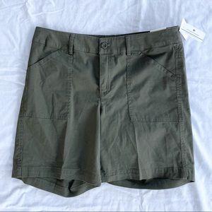 Christopher & Banks Olive Modern Fit Shorts Med
